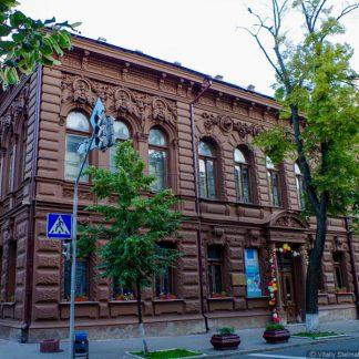 Пример рустованных фасадов в Киеве. Строительные профили и уголки в интернет-магазине А2+
